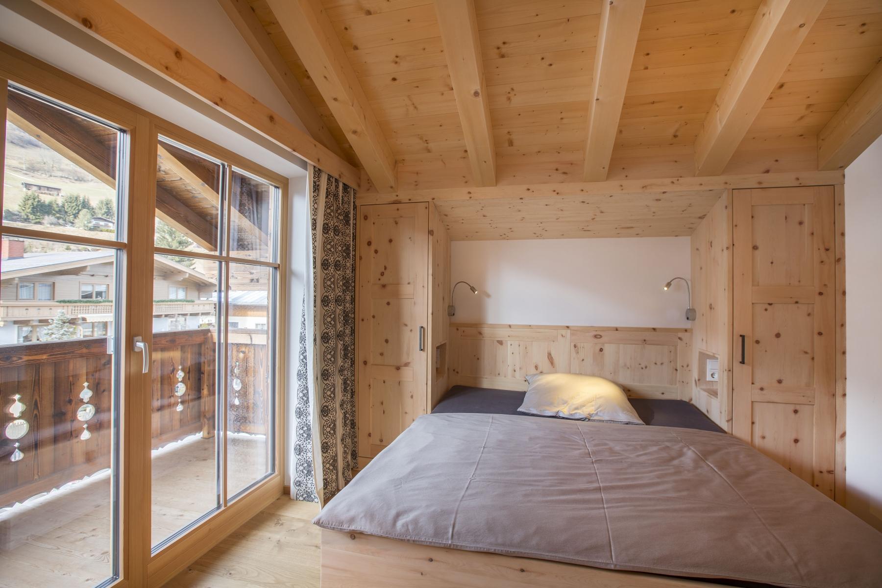 Holzbau-Maier-Photoart-Reifmueller-Schlafzimmer-naturpur